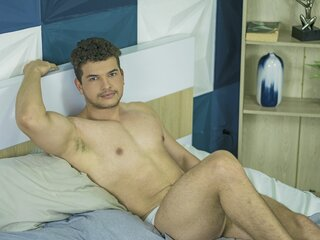 LuccaFiorella naked camshow